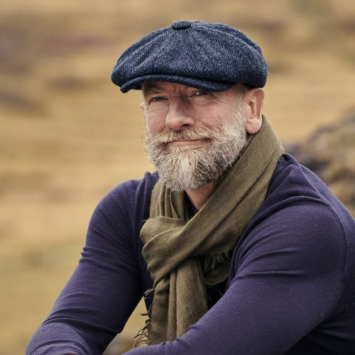 Tall Tales and Derring Do - Graham McTavish Zooms In to Toitoi